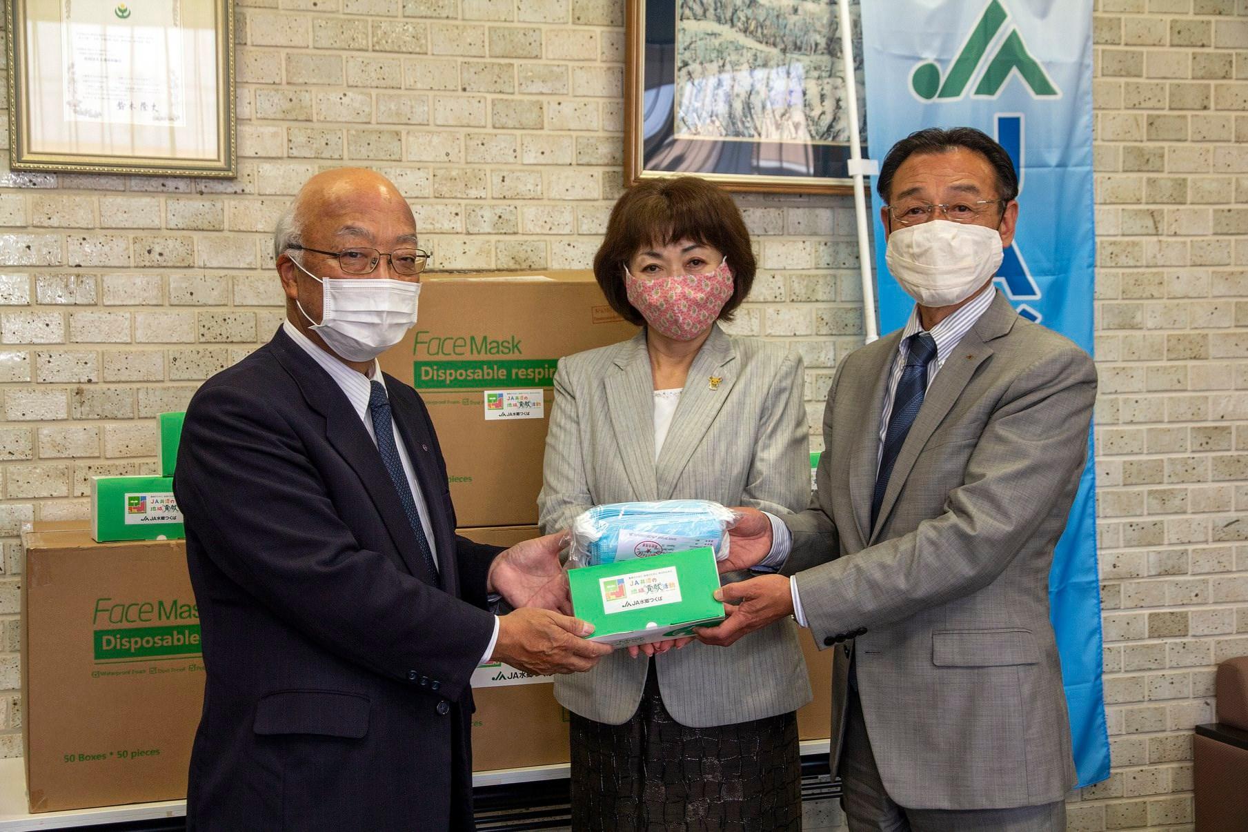 ご寄付いただいたマスク20,000枚をお配りしましたpage-visual ご寄付いただいたマスク20,000枚をお配りしましたビジュアル