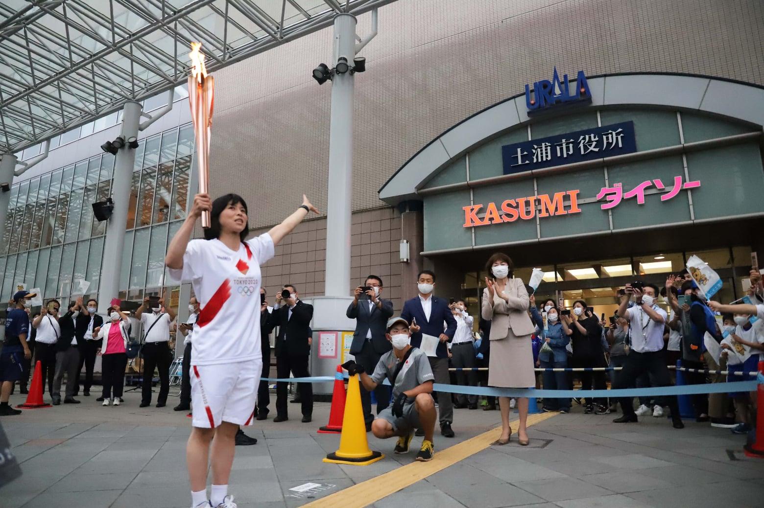 土浦市で東京2020オリンピックの聖火リレーが開催されました!page-visual 土浦市で東京2020オリンピックの聖火リレーが開催されました!ビジュアル